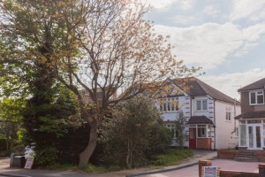 Coulsdon auction property developer001